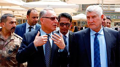 صورة وزير الهجرة والمهجرين يبحث مع الأمانة العامة للعتبة العلوية المقدسة دعم برنامجها الإنساني الخاص بإيواء النازحين