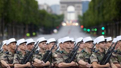 صورة الجيش الفرنسي والايطالي يعلنان التحالف مع الجيش العراقي ضد داعش