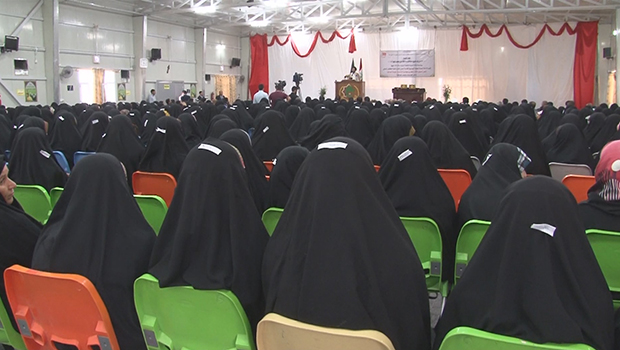 صورة العتبة العباسية المقدسة تكرم الطالبات الجامعيات المحجبات