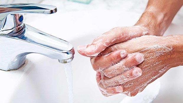 صورة الالتزام بالنظافة طرد للامراض وراحة للجسد