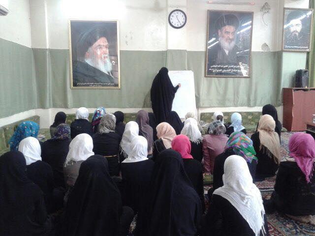 صورة طالبات الحوزة الزينيبة في زيارة مرقد السيدة رقية(ع) بدمشق