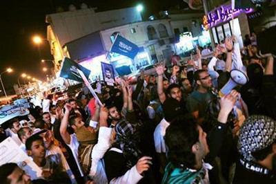 صورة عوائل سعودية ترفض زج ابنائها في معارك اليمن