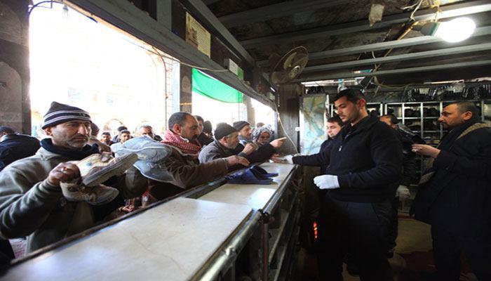 صورة العتبة الحسينية تنشر كوادر متخصصة لتقديم الخدمات لزائري الامام الحسين عليه السلام