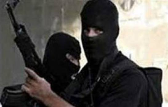 صورة مجهولون يهاجمون بيت الامام الشيرازي في ايران+فيديو