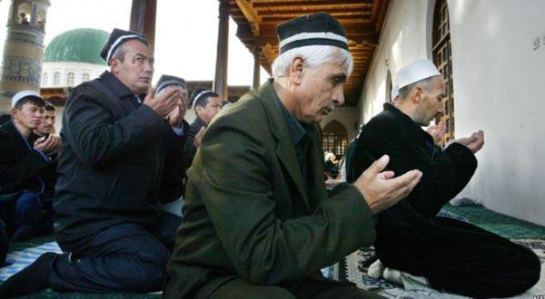 صورة طاجيكستان تنمع اطلاق اللحى والحجاب والحج للشباب وتحظر الأسماء العربية