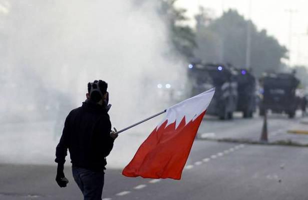 صورة البحرين: آلاف يشيعون شابا شيعيا توفي اثر مواجهة مع الشرطة