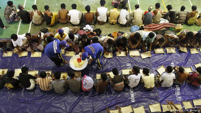 Photo of بورما: بوذيون يحتجون على الاعتراف بأقلية الروهينغا المسلمة
