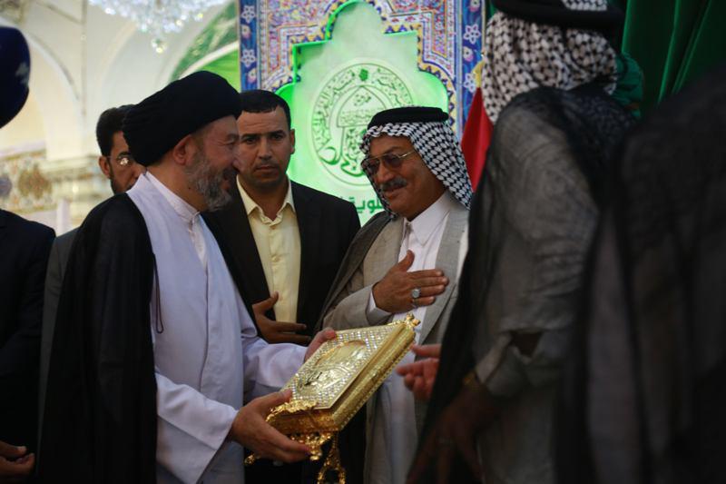 صورة الأمانة العامة للعتبة العلوية المقدسة تكرم عددا من الشخصيات ضمن افتتاح فعاليات مهرجان الغدير السنوي