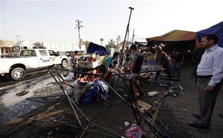 Photo of استشهاد وإصابة ثمانية أشخاص بتفجير استهدف موكباً حسينياً في حي الغدير شرقي بغداد