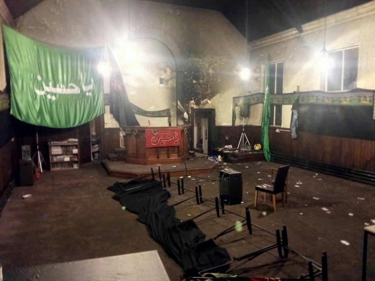 صورة بالصور: متطرفون يحرقون حسينية للشيعة في مدينة ليفربول الانجليزية