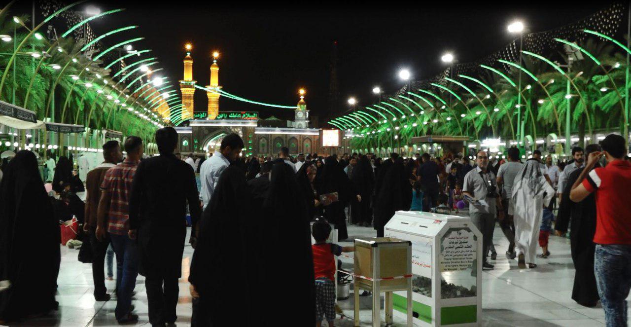 صورة الالاف من اتباع اهل البيت عليهم السلام يحيون زيارة ليلة الجمعة في كربلاء المقدسة