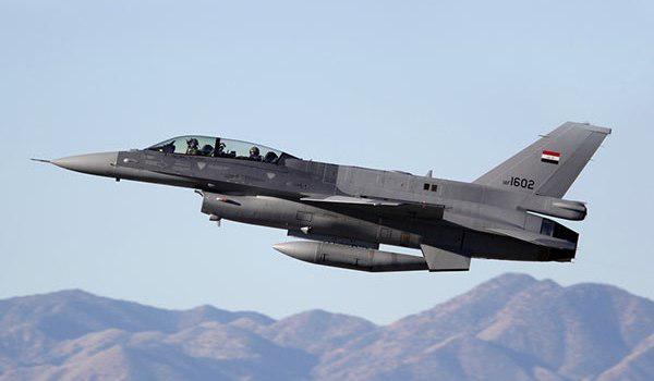 صورة مقتل العشرات من ارهابيي داعش وتدمر مستودعين للاسلحة  بقصف جوي غربي الانبار