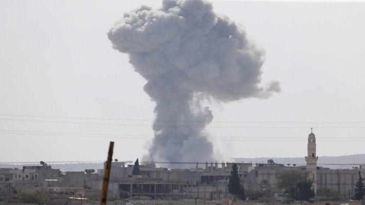 صورة مقتل 40 شخصا وإصابة العشرات بقص للتحالف على دير الزور والرقة السوريتين