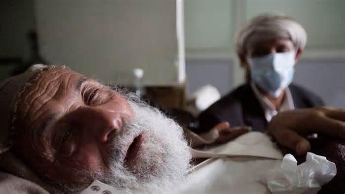صورة الاندبندنت: بريطانيا وأمريكا تلعبان دورا حاسما في تهيئة ظروف انتشار الكوليرا في اليمن