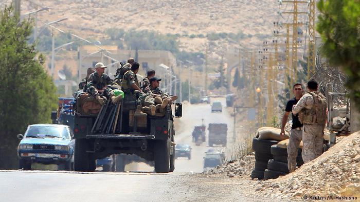 صورة العثور على رفات يُعتقد أنها لجنود لبنانيين اختطفهم تنظيم داعش الارهابي عام 2014