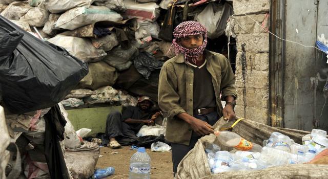 صورة إرتفاع نسبة الفقر في اليمن إلى 85 % بسبب الحرب