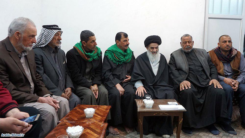 صورة زائرون عراقيون مشاية يزورون بيت المرجعية الشيرازية في مدينة قم المقدسة + صور