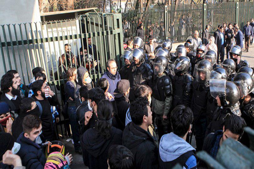 Photo of تقرير للأمم المتحدة يدين الحملات الأمنية والتعذيب في إيران