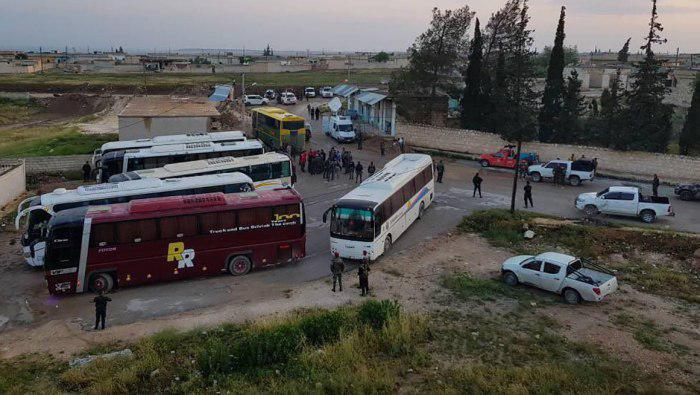صورة سوريا: تحرير 42 مختطفاً من قرية اشتبرق وإخراج 5 حالات إنسانية من كفريا والفوعة
