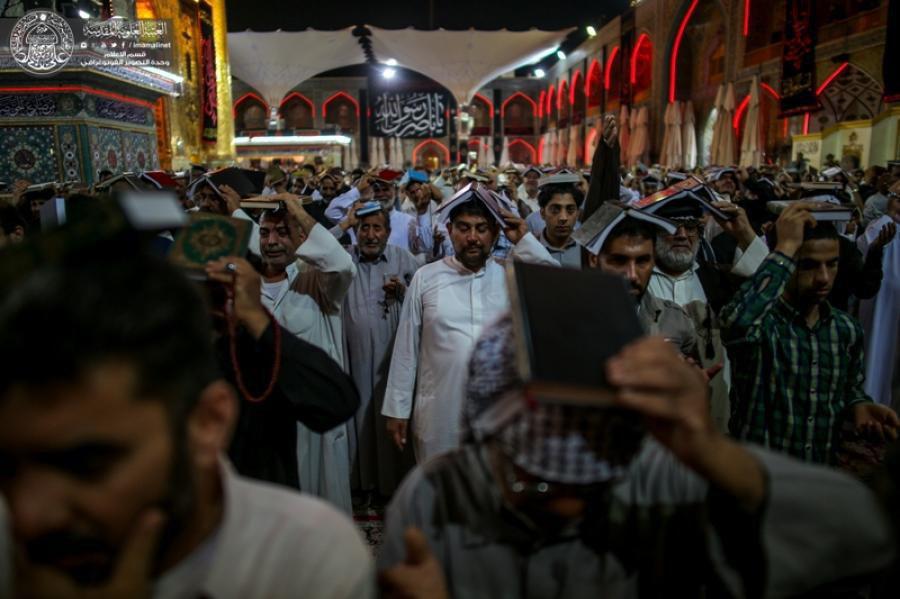 صورة بالصور.. أرجاءمرقد أمير المؤمنين عليه السلام تشهد إحياء ليالي القدر المباركة
