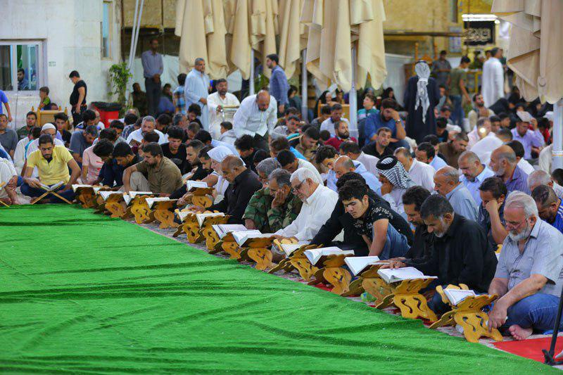 صورة بالصور.. المؤمنون يحيون الليلة الثالثة من ليالي القدر المباركة في الصحن العسكري المقدس