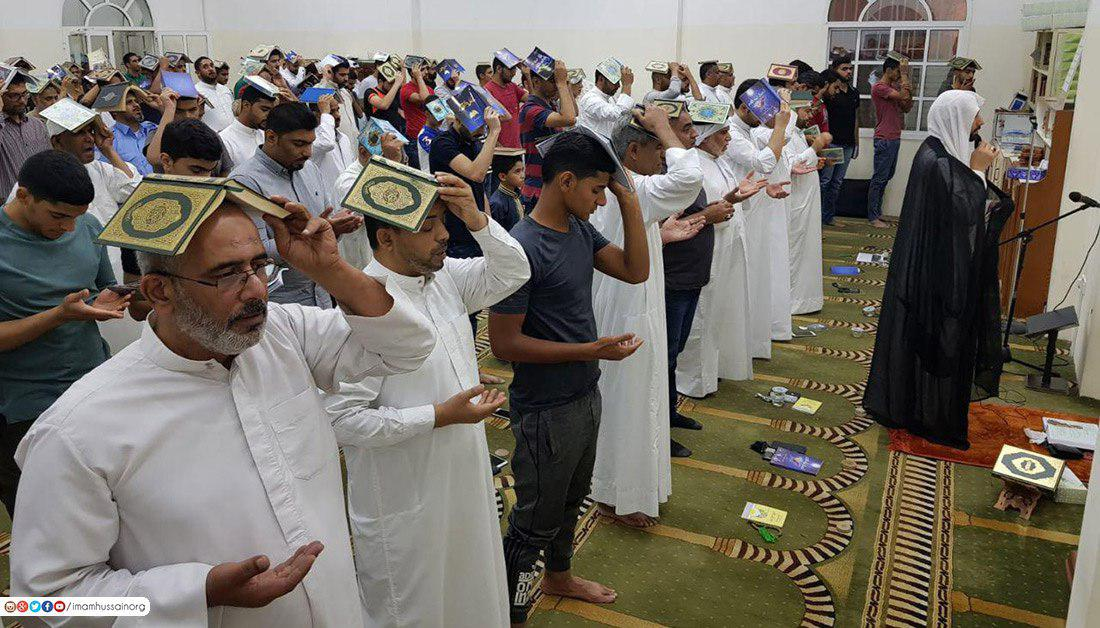 صورة بالصور.. اتباع اهل البيت في البحرين يحيون ليلة القدر وسط اجواء وممارسات عبادية خاصة