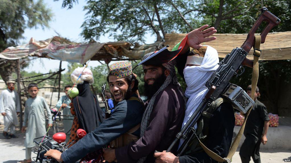صورة عشرات القتلى بهجوم لطالبان الارهابية استهدف جنودا في أفغانستان