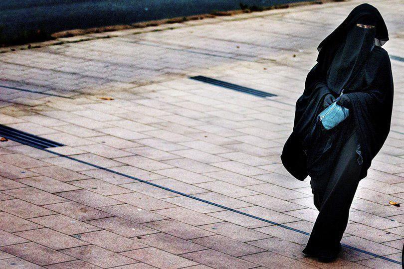 صورة منع ارتداء النقاب في الجامعات الجزائرية