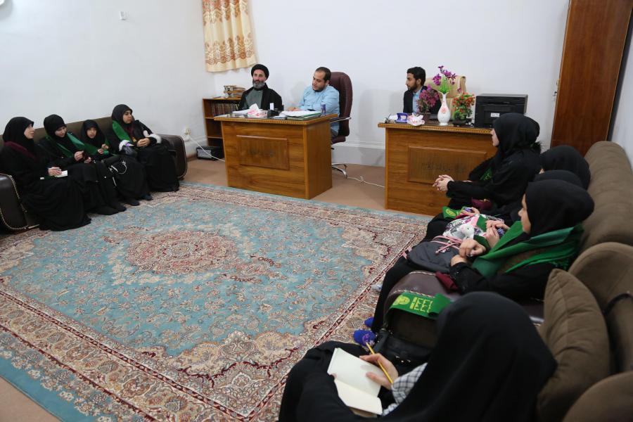 صورة نخبة من قارئات وحافظات لبنان بضيافة العتبة العلوية في برنامجٍ قرآني