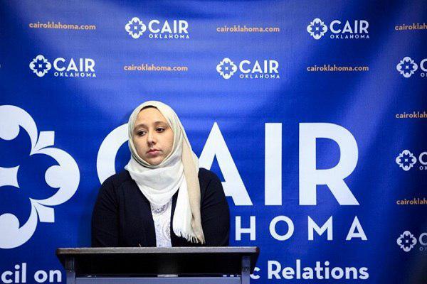 Photo of محجبة تتعرض لاعتداء عنصري أمام أبنائها في دالاس الاميركية