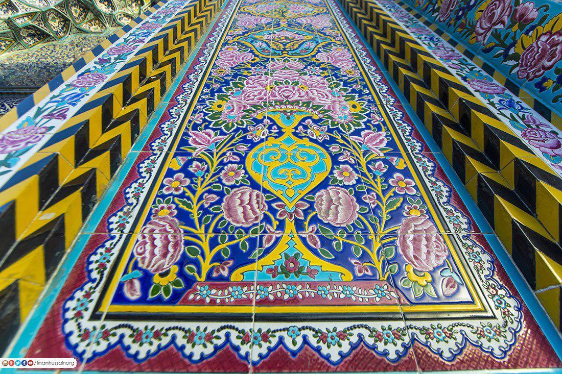 صورة بالصور .. جدران حرم الامام الحسين عليه السلام والزخرفة الاسلامية