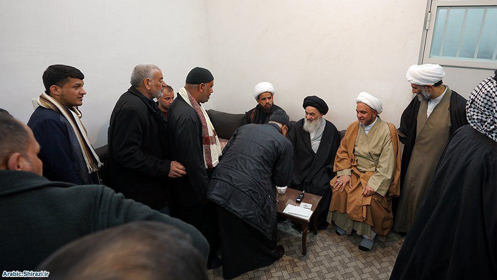 صورة المواكب العراقية تواصل التوافد على بيت المرجع الشيرازي في قم المقدسة