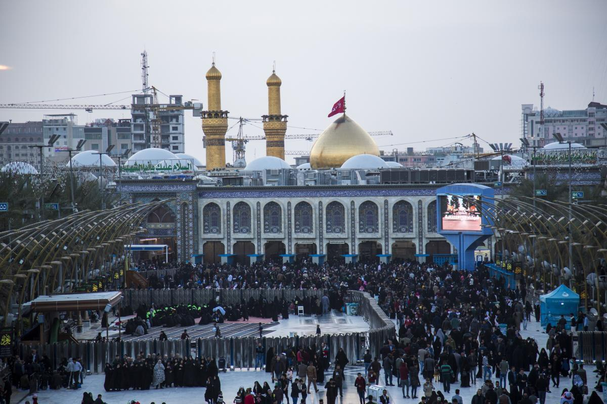 صورة بالصّور.. أجواءُ العطلة الربيعية عند مرقد الامام الحسين واخية العباس عليهما السلام