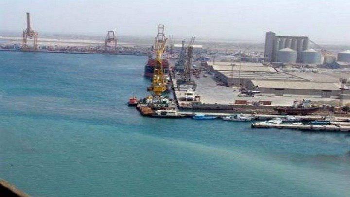 Photo of التحالف السعودي يحتجز أربع سفن ويمنعها من الوصول إلى ميناء الحديدة