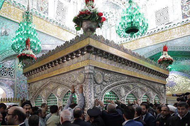 صورة 600 زائر مسلم من أذربیجان یتشرفون بزیارة الحرم الرضوی المطهر