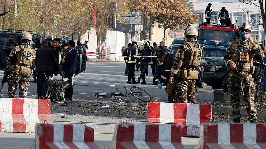 صورة مقتل العشرات من الجنود الأفغان بمعارك متواصلة مع طالبان في هلمند
