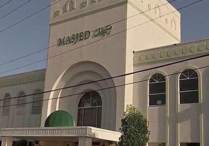 صورة اعتداء على مسجد في كاليفورنيا وكتابة شعارات تشيد بهجوم نيوزيلندا