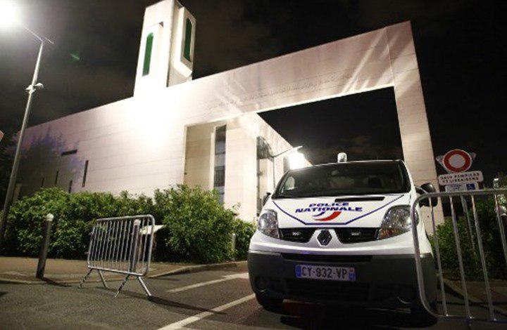 صورة مجهولون يدنسون موقع بناء مسجد في فرنسا