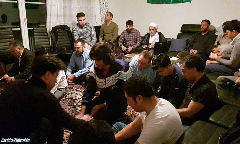 صورة أحد وكلاء المرجع الشيرازي يتفقّد الشيعة في سويسرا