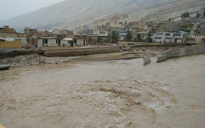 صورة السيول تجتاح خمس محافظات ايرانية جديدة