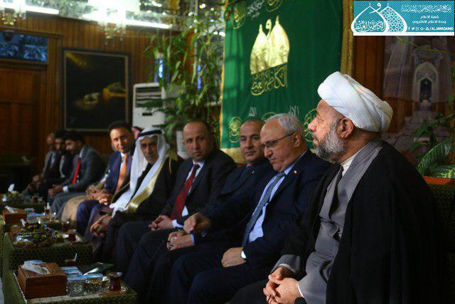 صورة أعضاء مجلس الشعب السوري يتشرّفون بزيارة الإمامين الكاظمين عليهما السلام