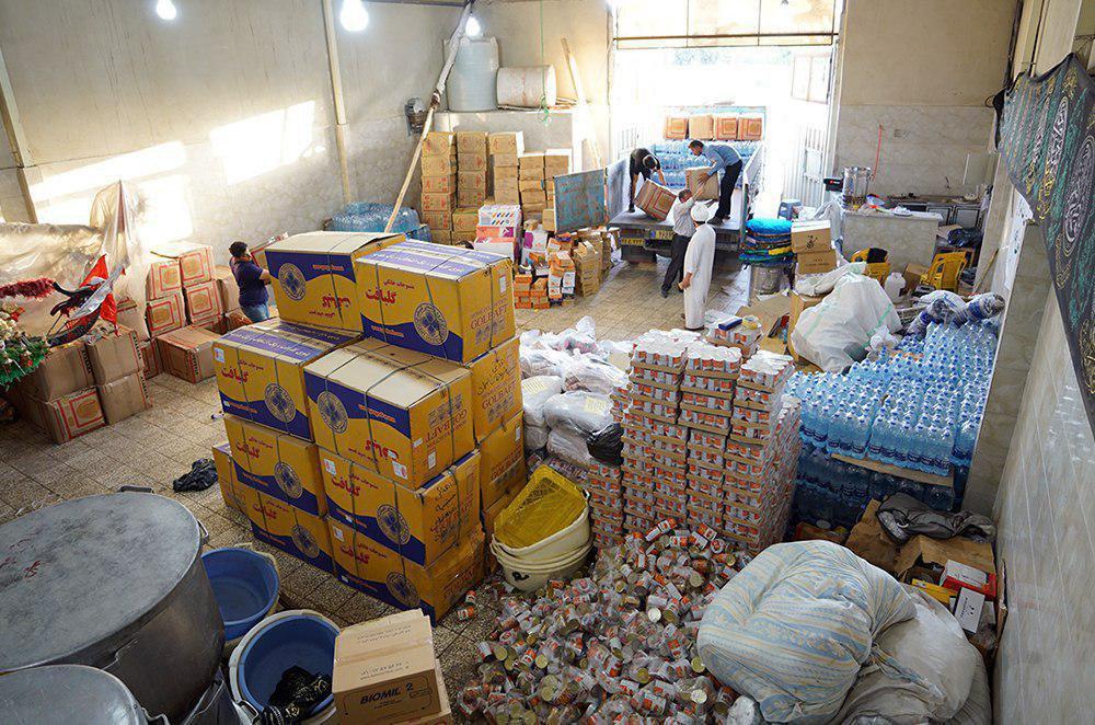 صورة وصول الدفعة الرابعة من إعانات مكتب المرجع الشيرازي للمتضرّرين من السيول في خوزستان (صور)