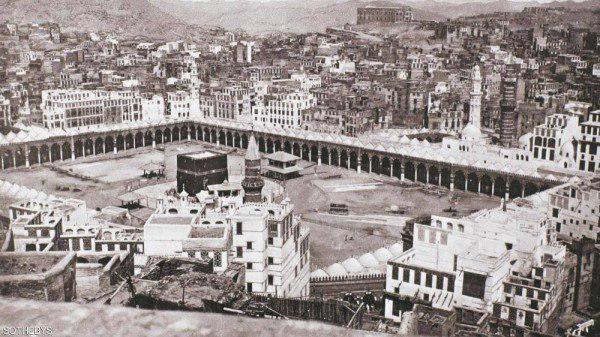 صورة صورة قديمة للكعبة المشرفة تباع في مزاد بلندن