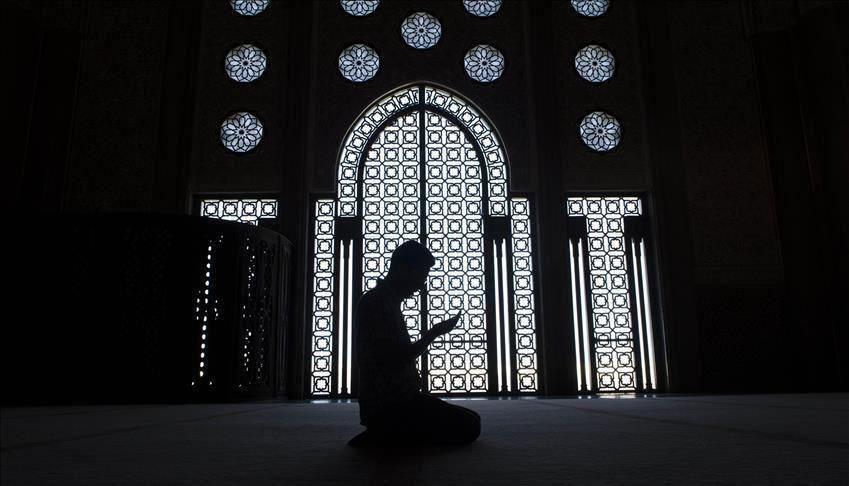 صورة اعتداء عنصري برسم صليب يرمز للنازيين على مسجد في اسكتلندا