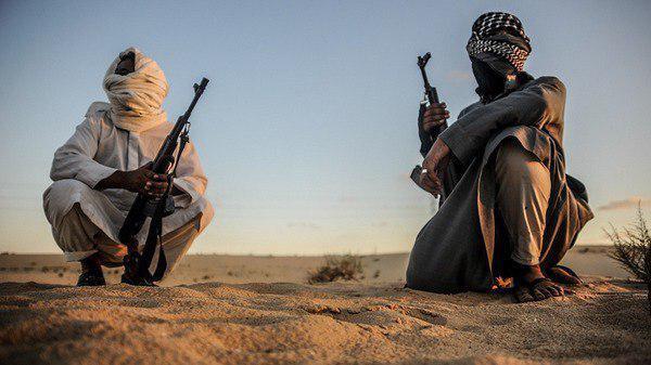 صورة مسلحون يطلقون سراح 3 مدنيين من أصل 14 اختطفوهم شمال سيناء