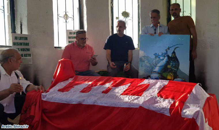 صورة وفد من حسينية الرسول الاعظم في لندن يزور مقام سيّدنا قمر بني هاشم في ألبانيا (صور)