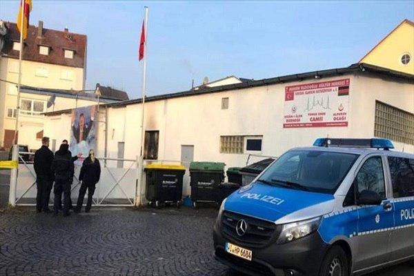 صورة مجهولون يعتدون على مسجد شمالي ألمانيا