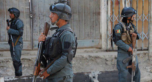 Photo of مقتل 8 من أفراد الأمن في هجوم بسيارة ملغومة وسط افغانستان