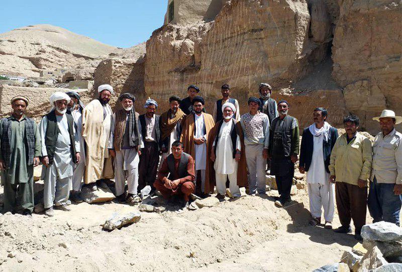 صورة وضع حجر الأساس لمسجد وموكب مولانا وليّ العصر في مدينة باميان الافغانية