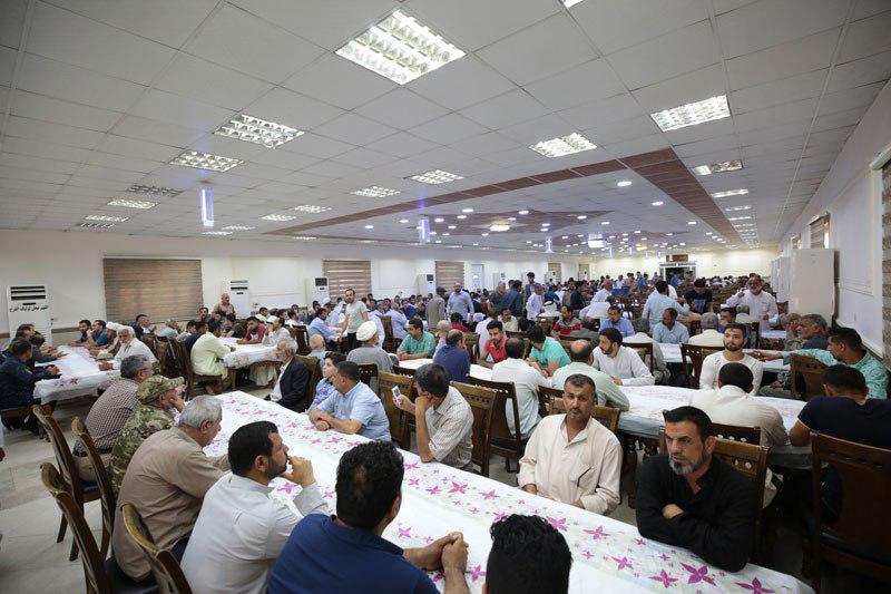 صورة مضيف الامامين العسكريين يوزع اكثر من 360 الف وجبة طعام للزائرين خلال أيام عيد الاضحى المبارك